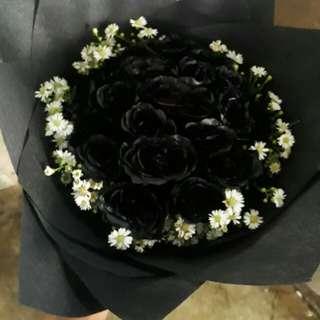 Handbuqet mawar hitam mix pikok