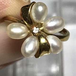 CLEARANCE SALES {Women's Jewelry - Vintage Diamond Pearl Ring} Beautiful Peranakan Vintage Solid 18K Yellow Gold Genuine Diamonds With 5 Top Grade Pearls Ring