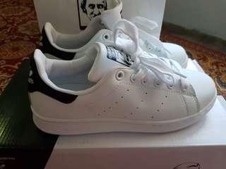 Adidas Stan Smith black tab