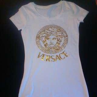 e5f0b8f0d Versace T-shirt