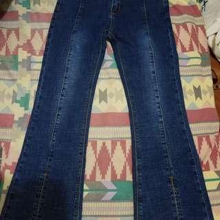 全新女裝牛仔褲有彈性,27腰以下