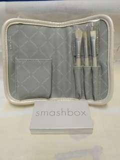 絕版全新 SMASH BOX 白色 PU 皮套眼影唇彩連工具掃套裝 1 套