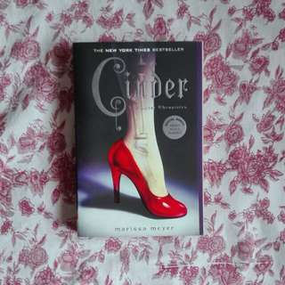 Cinder (Lunar Chronicles)