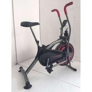 Sepeda Statis Warna Kombinasi Hitam - Merah Platinum Bike Exercise