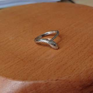 Solid Platinum Vintage chevron snake ring