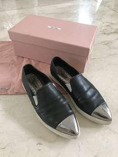 Miu Miu authentic sneaker sz 39 ada box, db