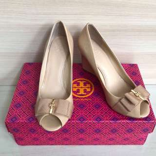 Authenthic Tory burch wedges sz 6