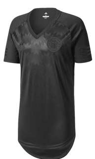 Brand New Manchester United All Black Special Edition Jersey Size XL.
