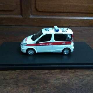 警車 1:43 Toyota Echo Verso 豐田香港警察車 樹脂模型