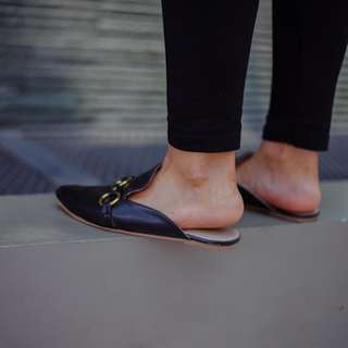 Black Mules (Available: Size 5, 8, 9, 10)