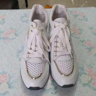 Ash 白色波鞋