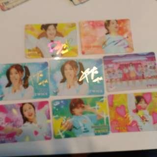 TWICE卡, 有Tzuyu、Mina、定延、 志效、 多賢 、彩瑛 。團體$2, 銀簽$5,金簽$6, 彩簽$7。