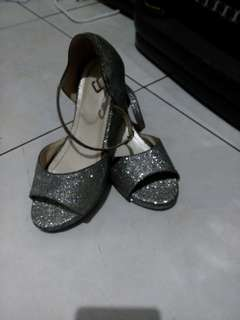 Wedges anak Clioo