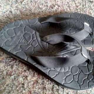 sandal gunung jepit