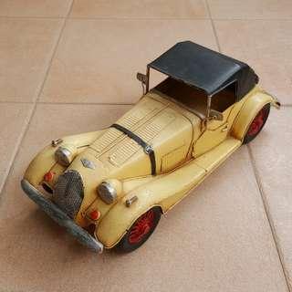 Vintage zinc Car