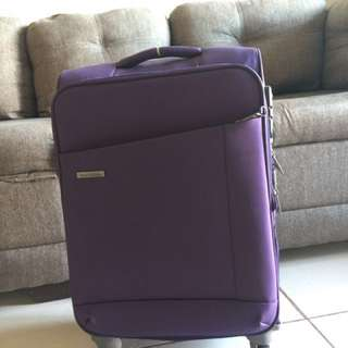Excellent condition World Traveller lightweight spinner luggage