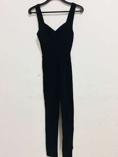 Jumpsuit hitam backless