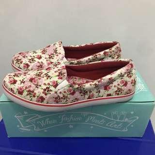 Sneakers bunga