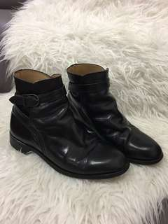 Authentic vintage Burberrys leather ankle boots