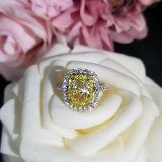 18K 白金天然彩鑽石戒