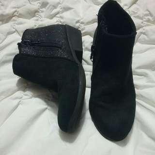 Semi-Boots w/glitters (Size 13)