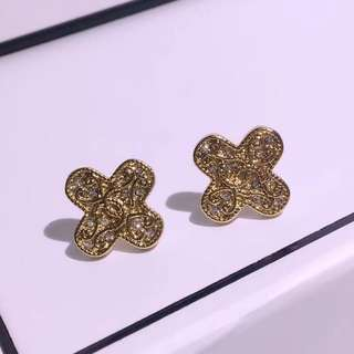 Chanel earrings 925