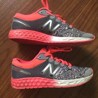 Girls running shoes New Balance size 1
