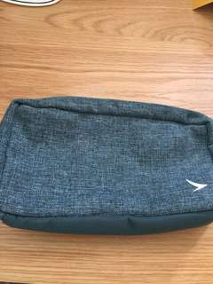Cathay Pacific business class pouch