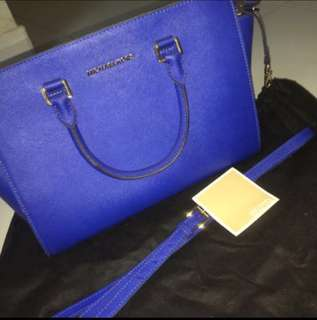 REDUCED!!MK selma Saffiano large 100% Original