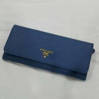 Prada Wallet(authentic)