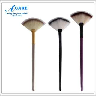 Fan-Shape makeup brush