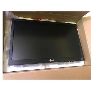 "LG E1942C-BN - LED monitor - 18.5"""