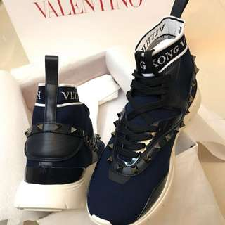 Valentino hk limited edition studs sneaker