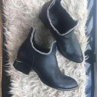 Black booties with chain size 38
