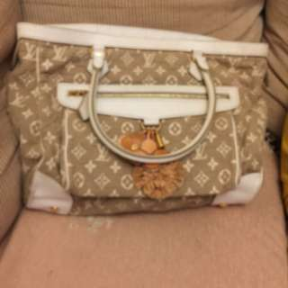 Louis Vuitton limited edition mama bag