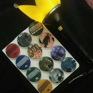 Bigbang badge and lightstick~