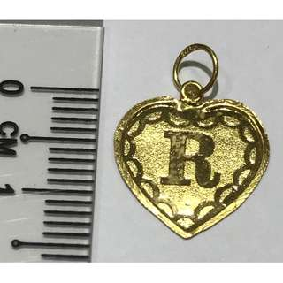 "916 Gold Love shape pendant letter ""R"""
