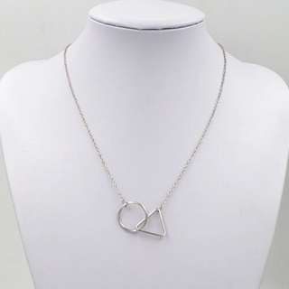 Minimalist Necklace in Silver