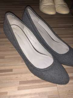 Giordano ladies grey heels