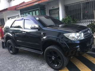 Toyota Fortuner 2010 model Automatic diesel