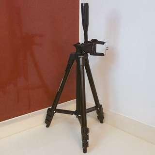 二手-黑色相機伸縮腳架附贈手機夾