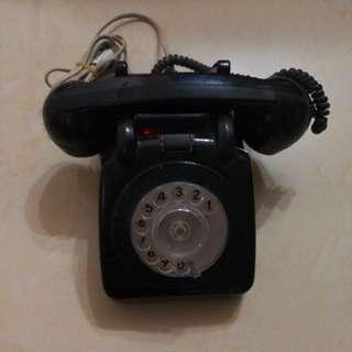 懷舊撥輪電話 (仍可正常運作)