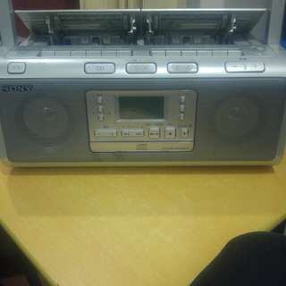 Portable Sony CD player and Radio, Cassette tape good condition
