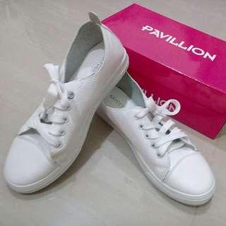 Sepatu PAVILLION Putih