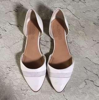 📌Repriced📌Aldo white shoes
