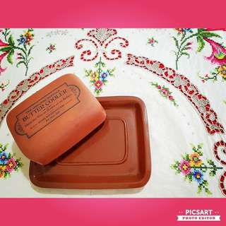 "Vintage European Country-style Earthern Clay Butter-dish. Normal size, 7""l x 5.5""b x 2.5""h. Good Condition, no chip no crack. $35 offer, sms 96337309."