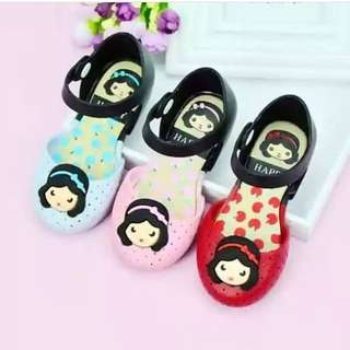 Snow white kids sandal