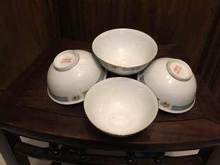 「中國製造」金邊五寸碗四隻