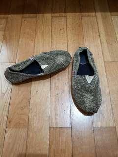 Sepatu wakai gold