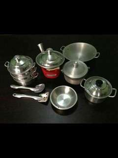 Miniature cooking set
